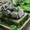 عجیب ترین سنگ قبرها